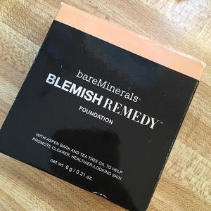 BARE MINERALS Blemish Remedy Foundation Powder